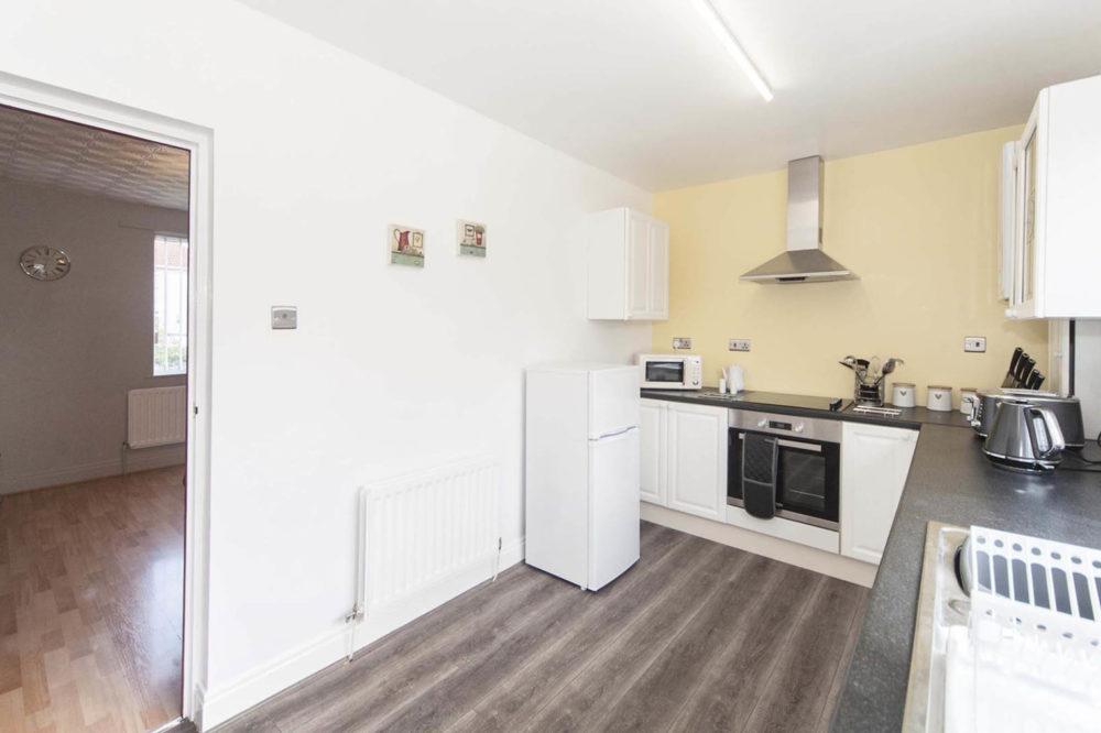 Sargent & Garvey - Glenbourne House - Kitchen through to Lounge