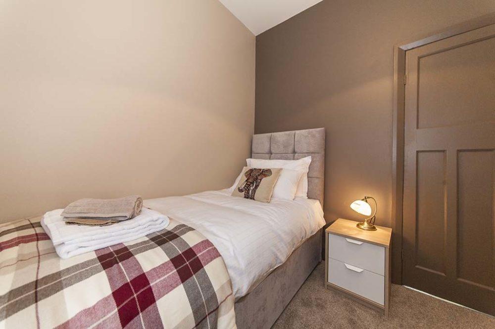 Sargent & Garvey - Illume House - Single bedroom 1